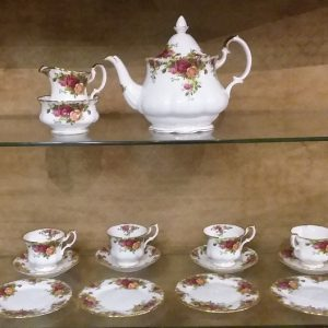 Royal_Albert_Old_Country_Rose_Tea_Service