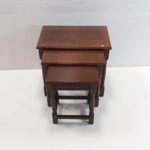 Oak_Nest_of_Tables