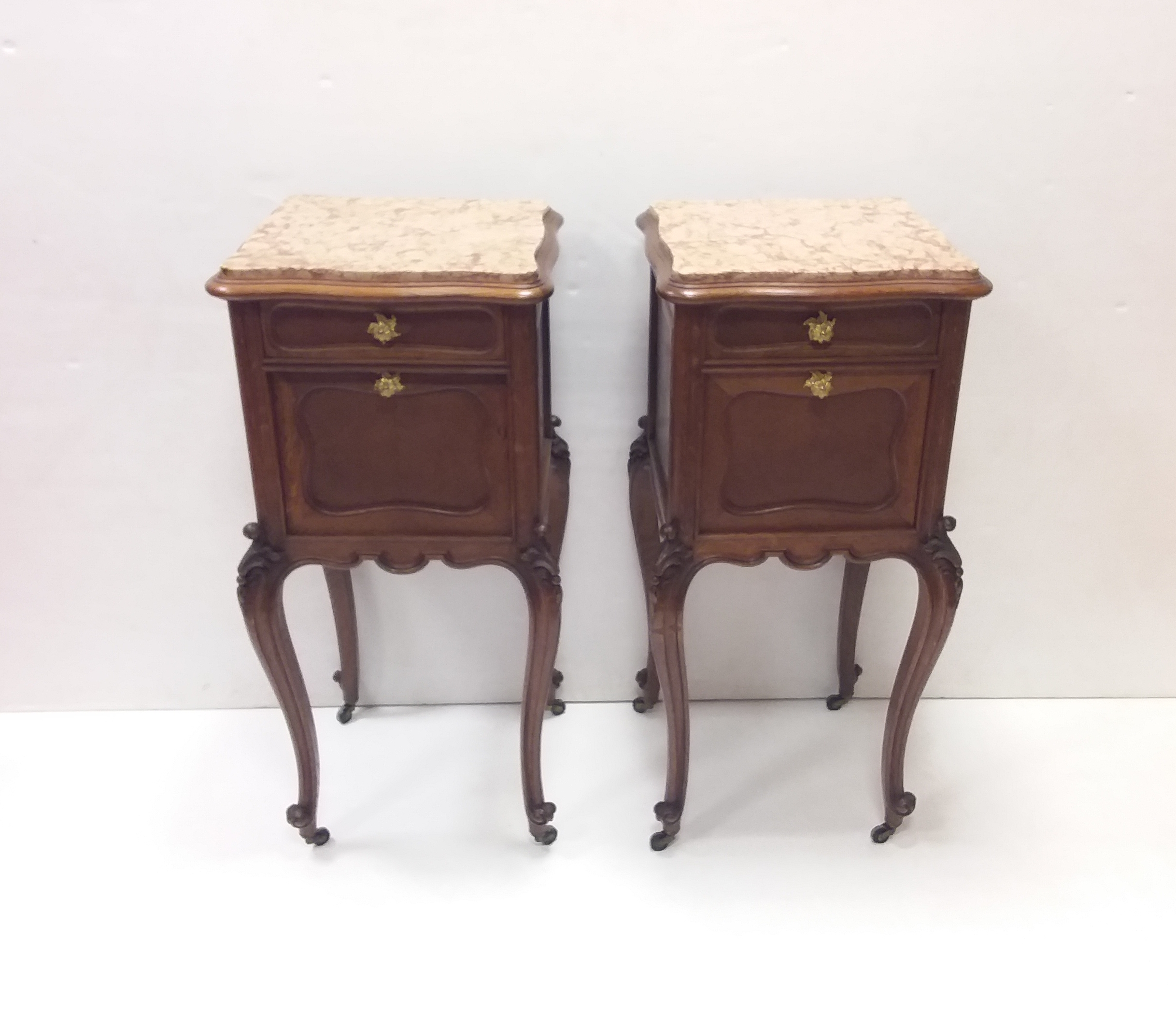 Pair Of Antique Chest Of Drawers American Chippendale