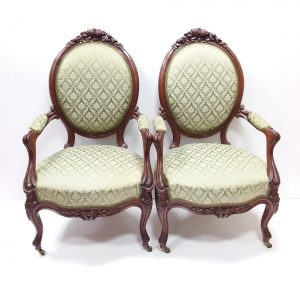 Antique_Pair_of_Victorian_Armchairs