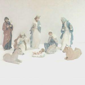 Nao- Nativity -Crib- Set