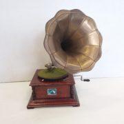 Vintage_Gramophone