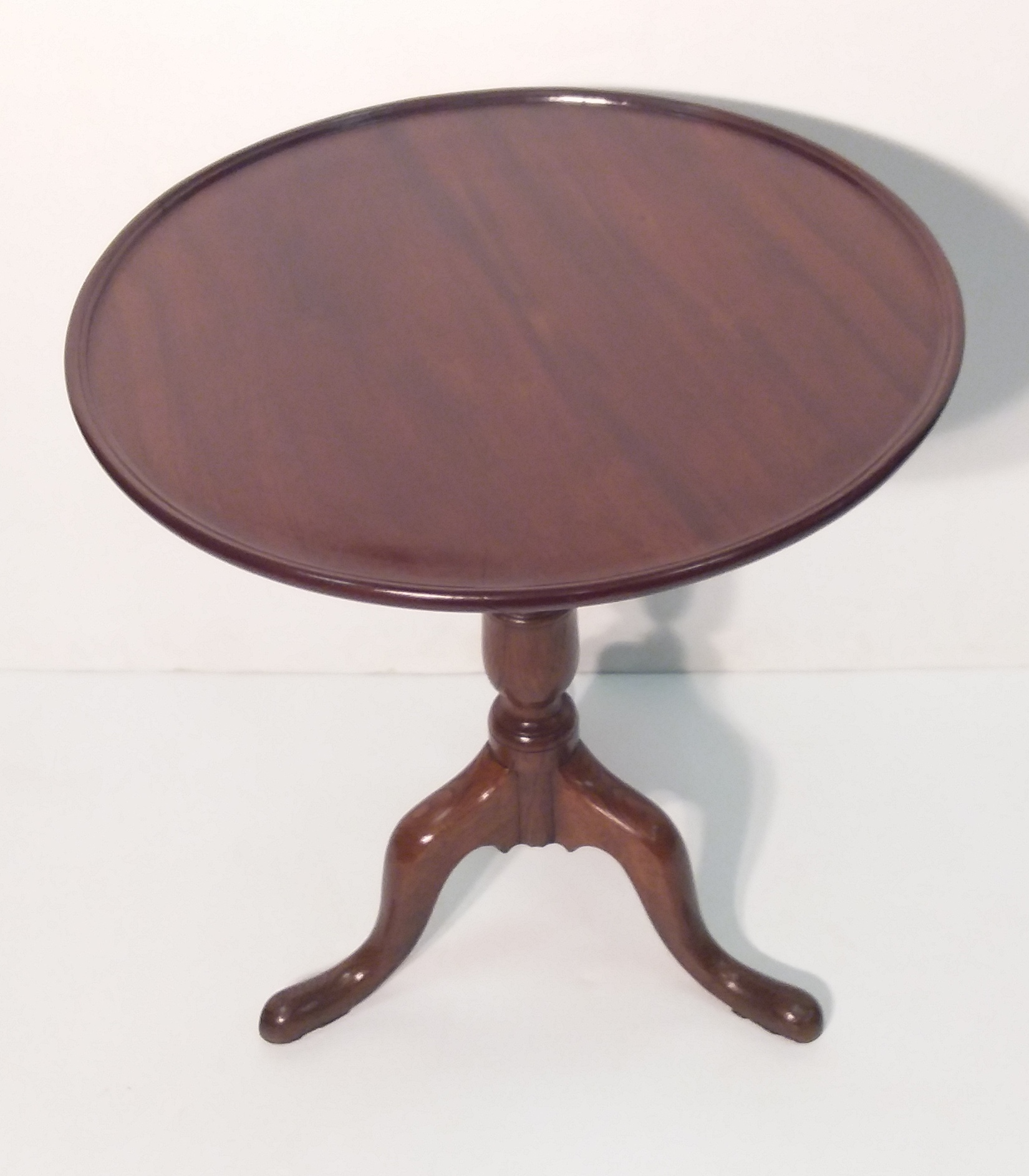 Picture of: Antique Victorian Mahogany Circular Occasional Table Reilly Antiques