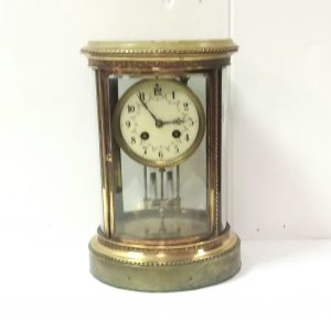 Antique_Victorian_Oval_Mantel_Clock