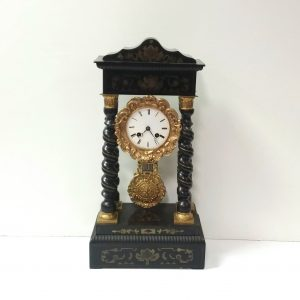 Antique_French_Mantle_Clock