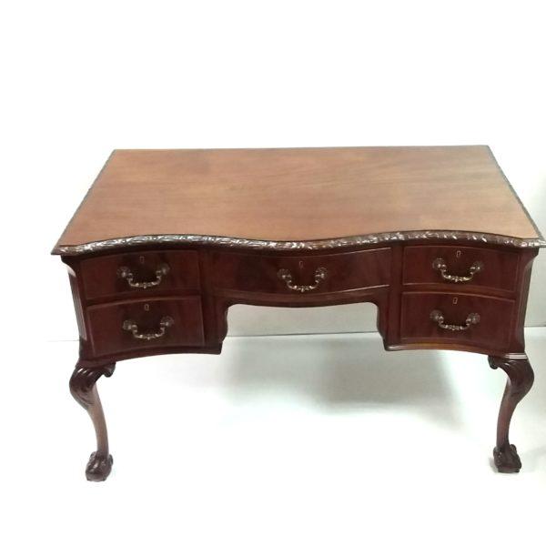 Antique -Mahogany- Ladys- Desk