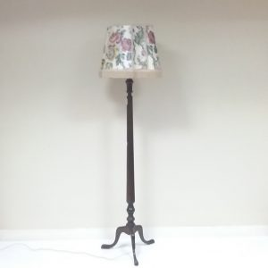 Antique_Style_Lamp_and_Shade