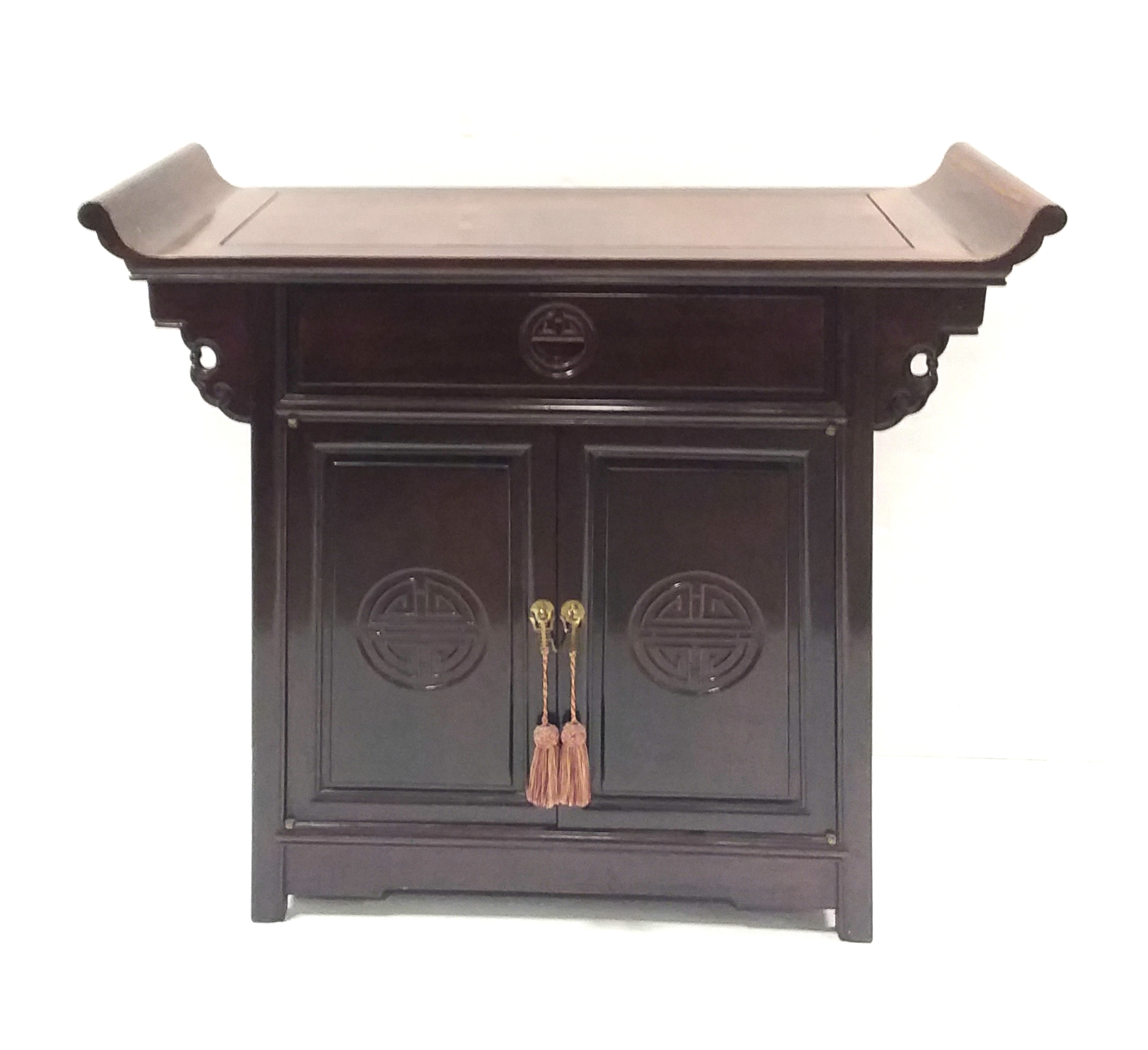 Antique_Style_Oriental_2_Door_Cabinet