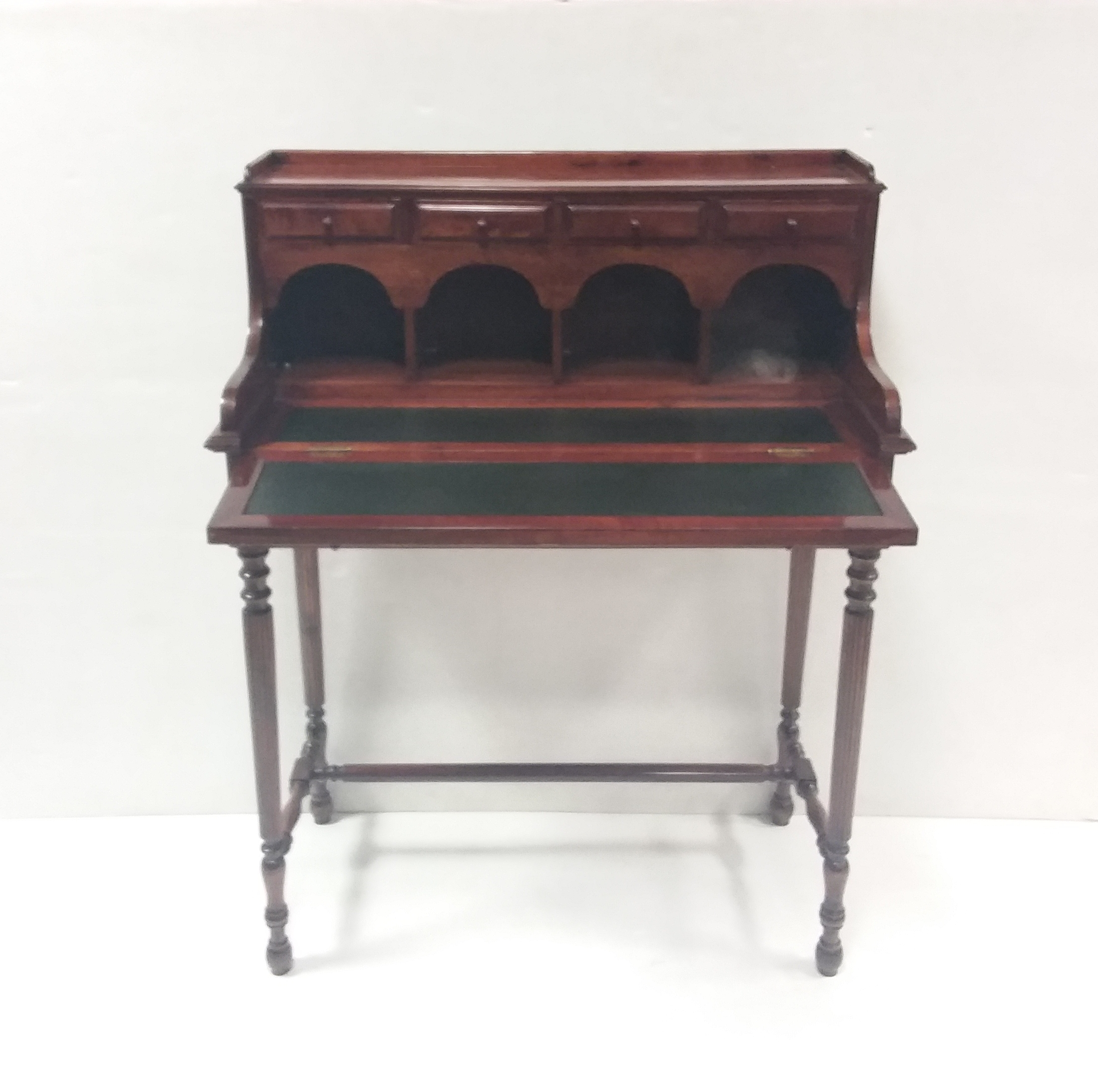 Antique_Style_Lady's_Desk