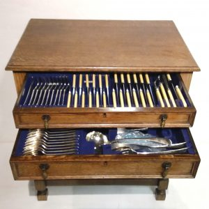 ms 16182 Edwardian Canteen Of Cutlery In Cabinet