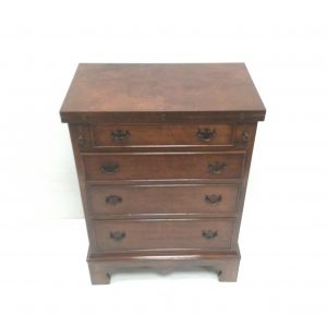 Antique style walnut Bachelors- Chest- Of- Drawers