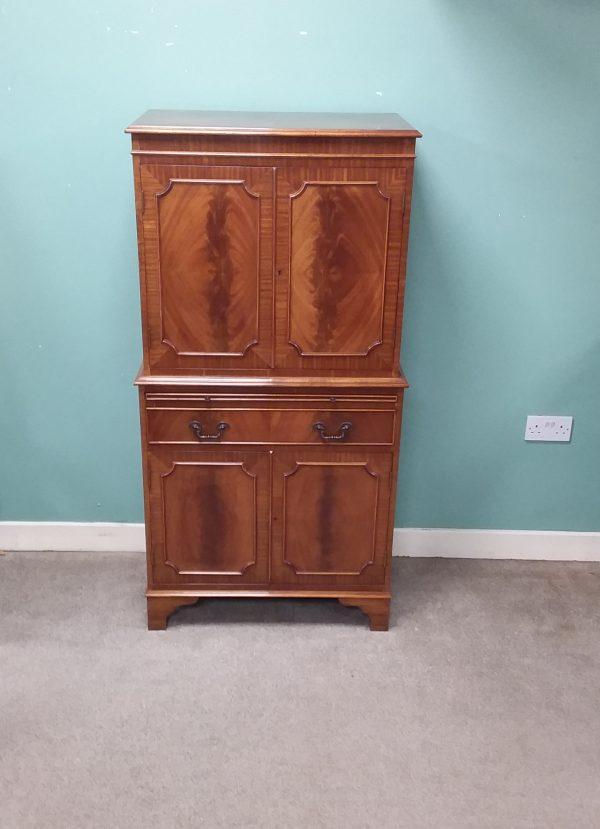 Mahogany-cocktail- cabinet